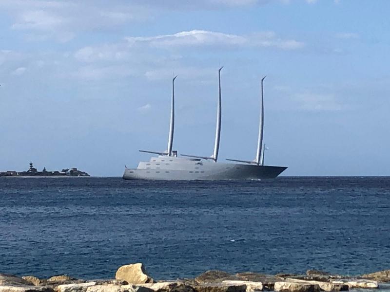 Lo yacht a vela più grande del mondo solca le acque dello ...