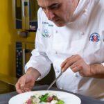 """Gerace (RC) : lo chef Carmine Cataldo (Nazionale Italiana Cuochi) esalta la Calabria su fb con la sua ricetta esclusiva:"""" Cipollotto rosso di Tropea ripiene di ceci e patate silane"""""""